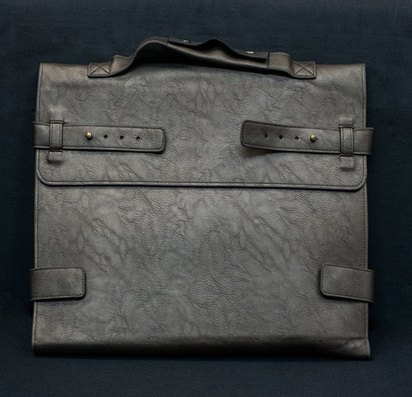 "Серая кожаная сумка для Macbook Air/Pro 13"" Ursa Bag -"