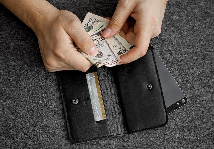 02c756fc6335 ... Черный кожаный чехол-кошелек для iPhone 5/5S/SE Handwers Ranch ...