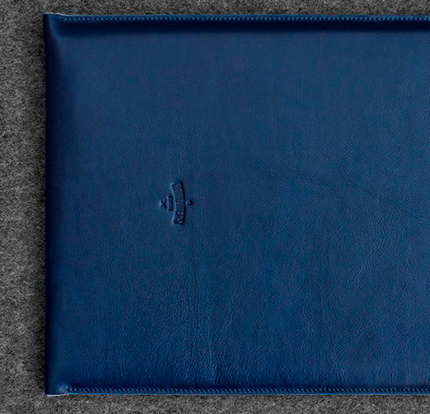 Купить Синий кожаный чехол-конверт для Macbook Air 13 Handwers Hike
